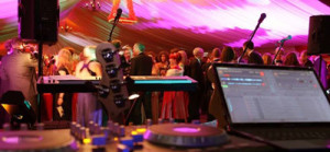 Free seamless music 'dj' service